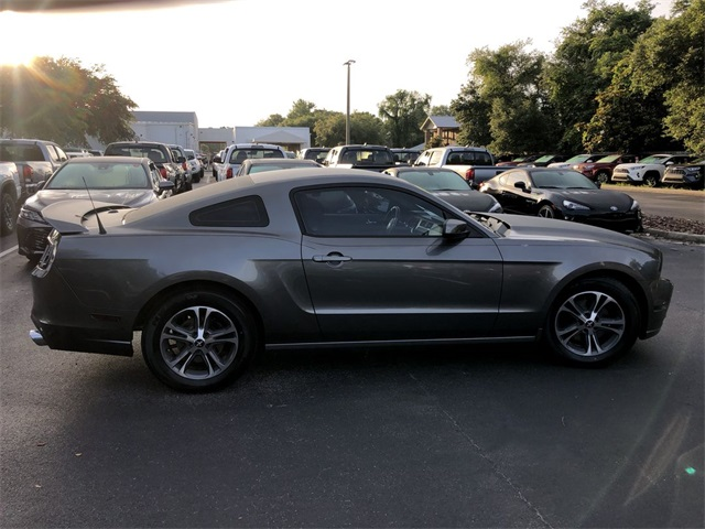 Pre-Owned 2014 Ford Mustang V6 Premium