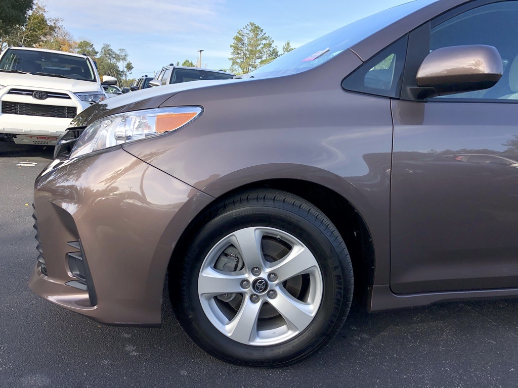 Certified Pre-Owned 2019 Toyota Sienna