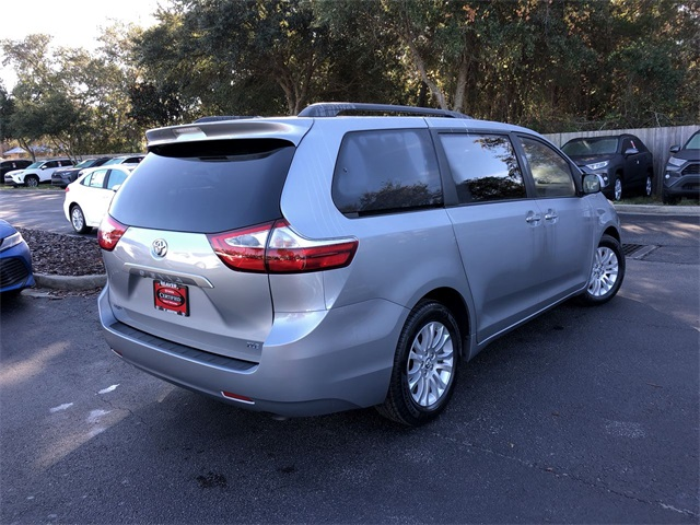 Certified Pre-Owned 2017 Toyota Sienna XLE