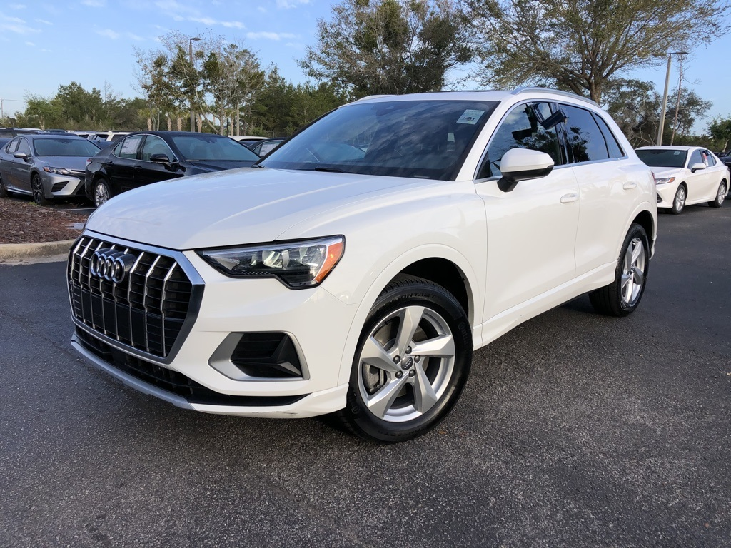 Pre-Owned 2019 Audi Q3 2.0T Premium Plus