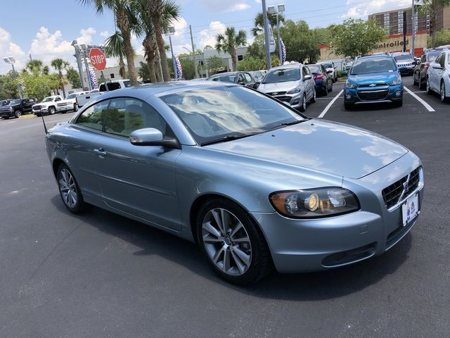 Pre-Owned 2010 Volvo C70 T5