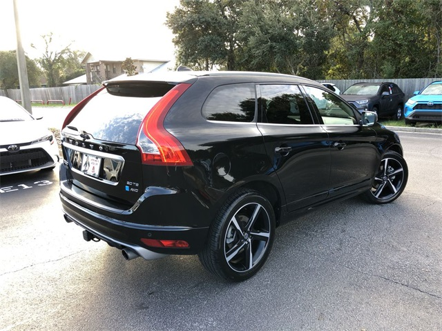 Pre-Owned 2016 Volvo XC60 T6 R-Design Platinum