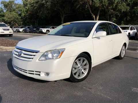 Pre-Owned 2006 Toyota Avalon Limited